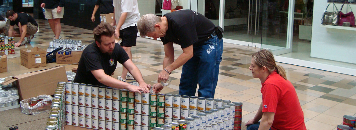 1200x440__0003_canstruction-2012-027